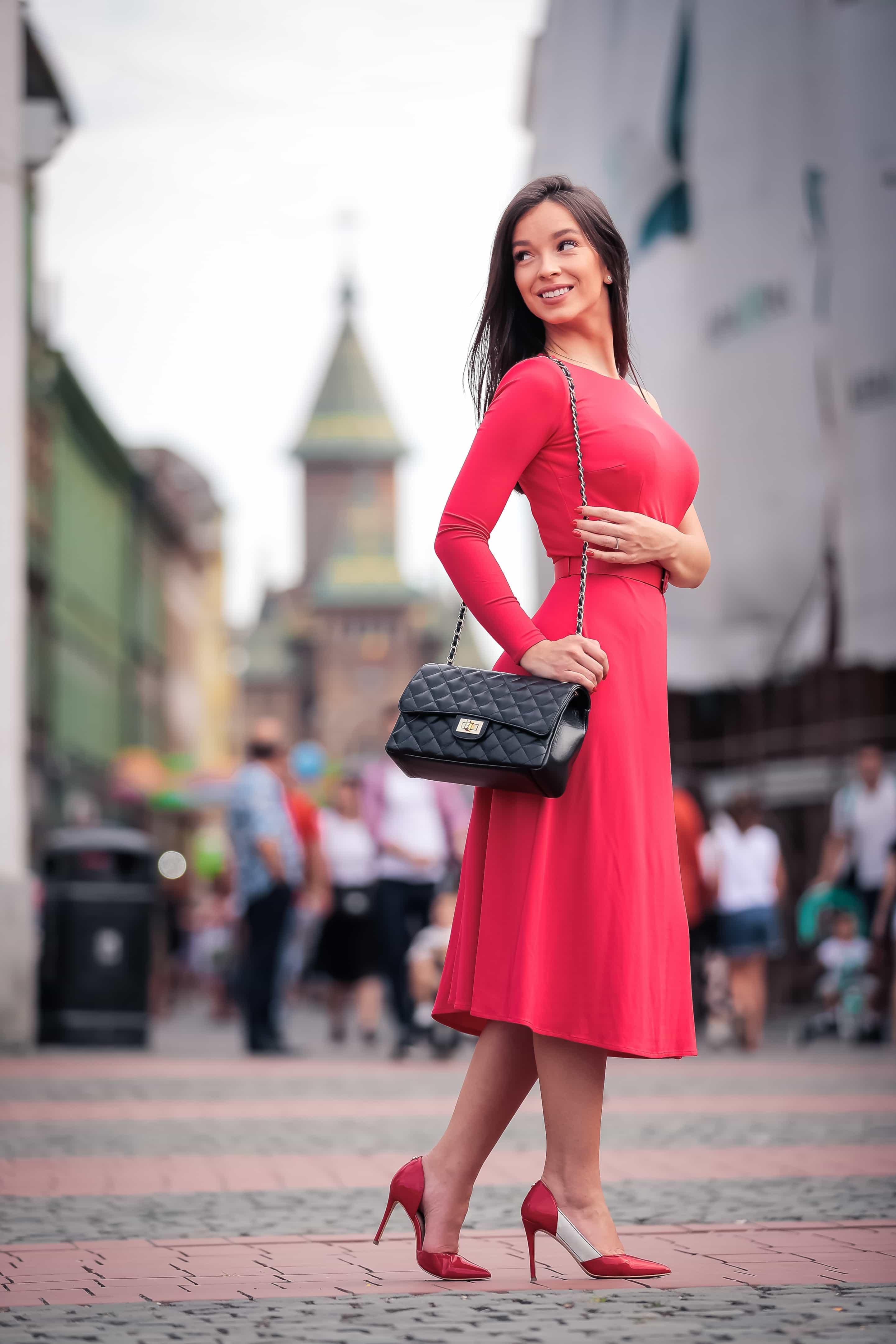 Feminine Confidence by Elsanna Portea